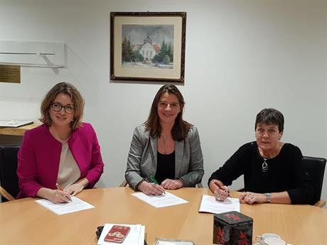 Mien van Rennes ondertekent namens huurders de prestatieafspraken